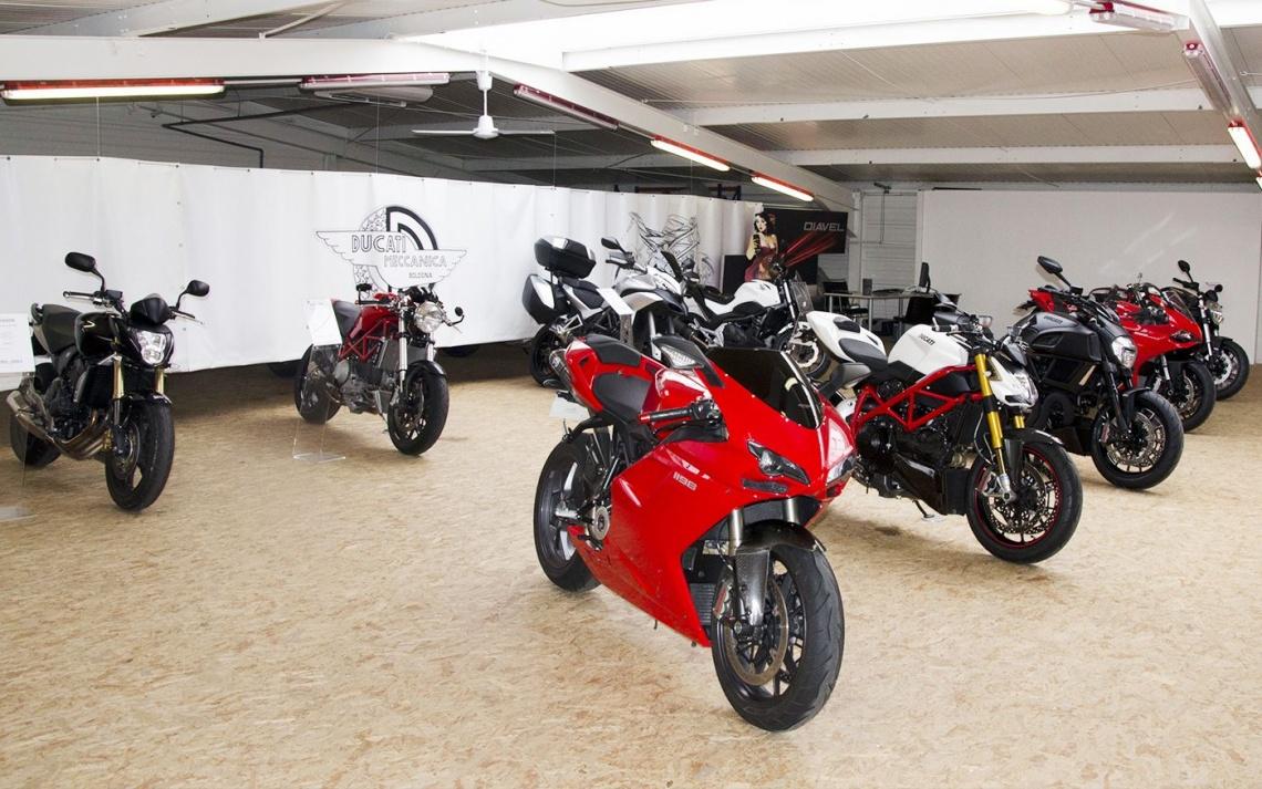ducati strasbourg fait r ver les adeptes de moto rejoindre plus que pro les meilleures. Black Bedroom Furniture Sets. Home Design Ideas