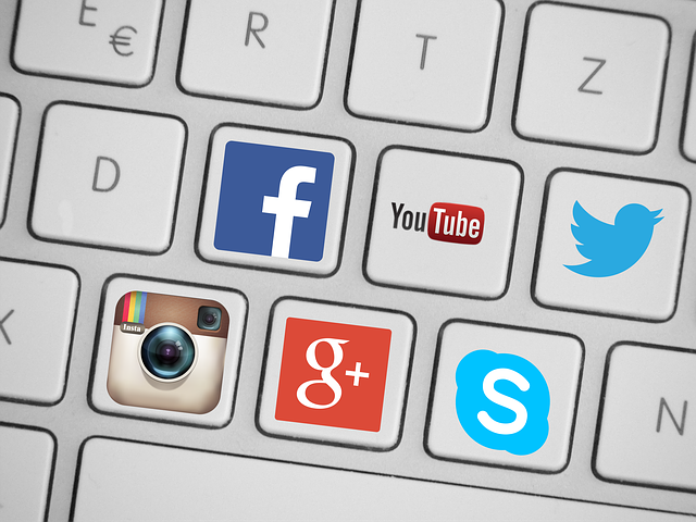 Miser sur les réseaux sociaux pour récolter des avis clients