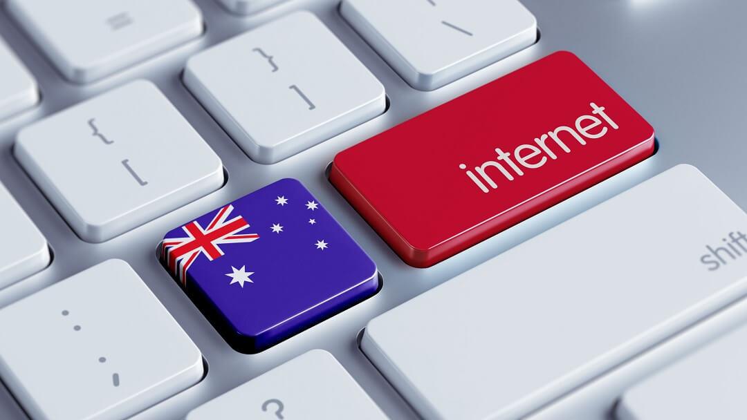 touches de clavier avec le drapeau australien et le mot internet